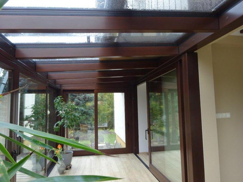 Drewniane drzwi i okna to wyjątkowy styl
